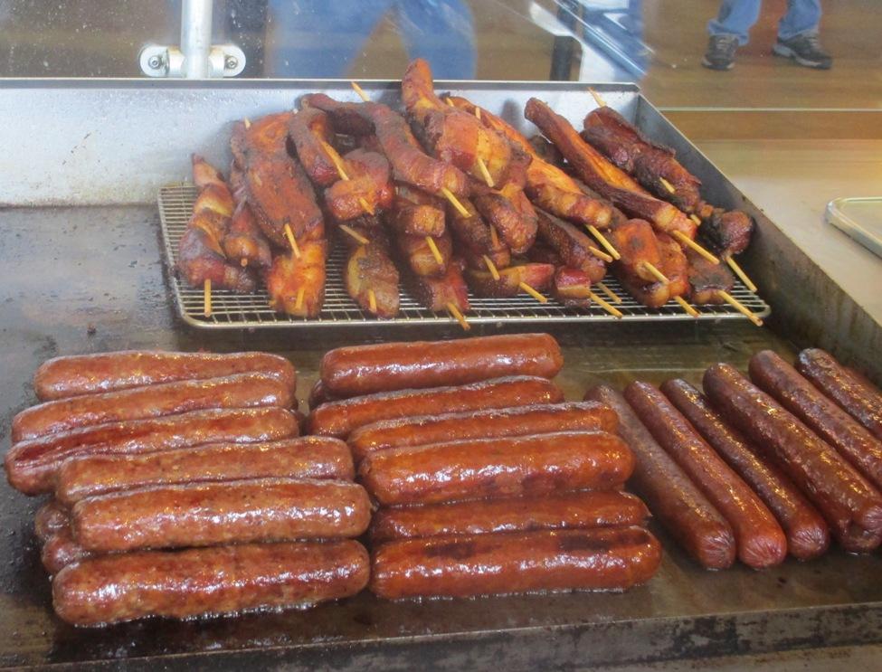 yankee-stadium-food-bacon-on-a-stick