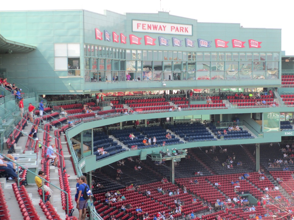 fenway park vs wrigley field