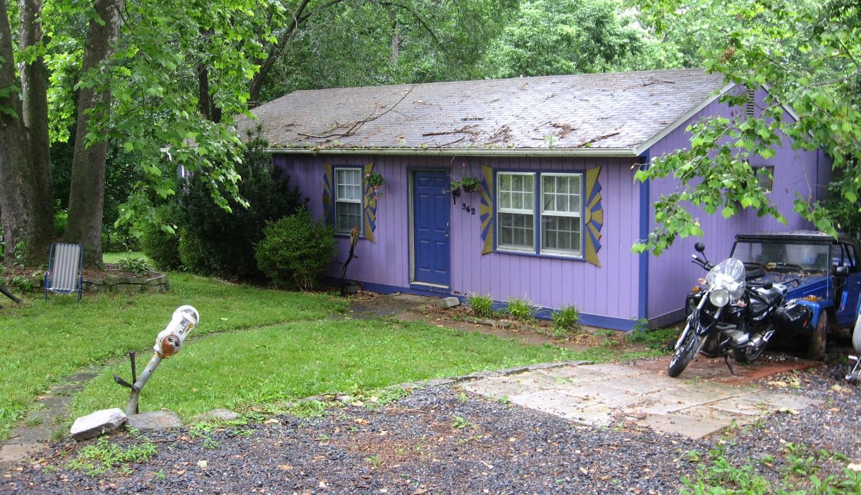 Book Review: Mr. Pine's Purple House by Leonard P. Kessler