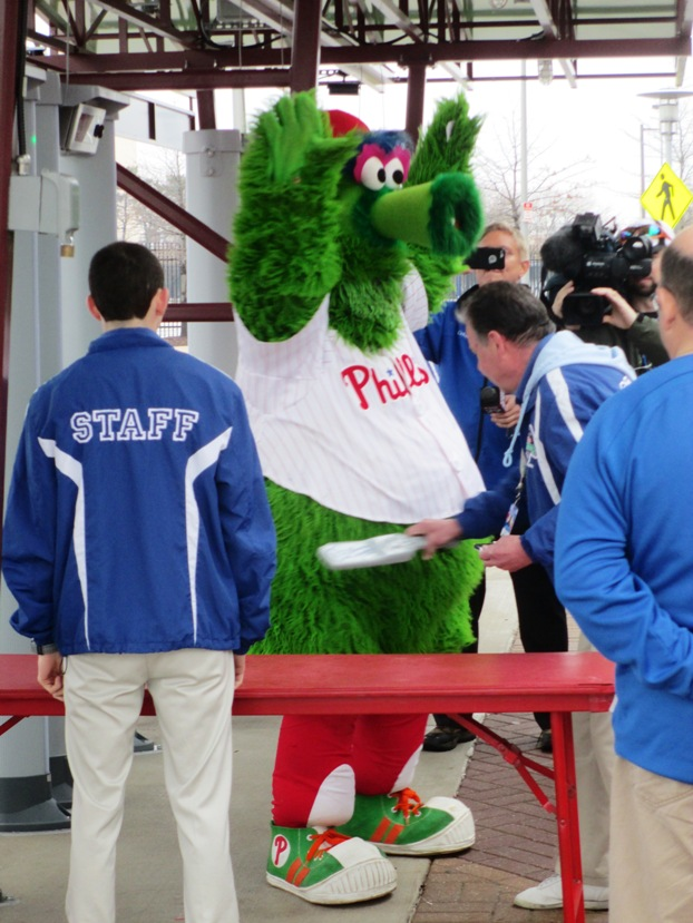 phillies phanatic citizens bank park