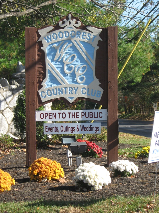 woodcrest country club open to public