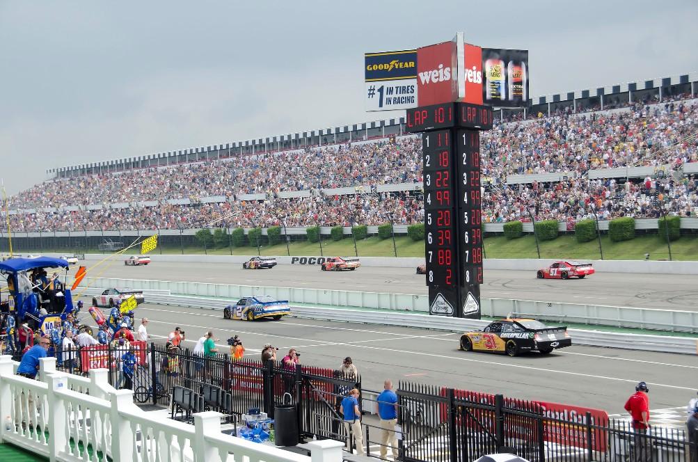pocono raceway frontstretch